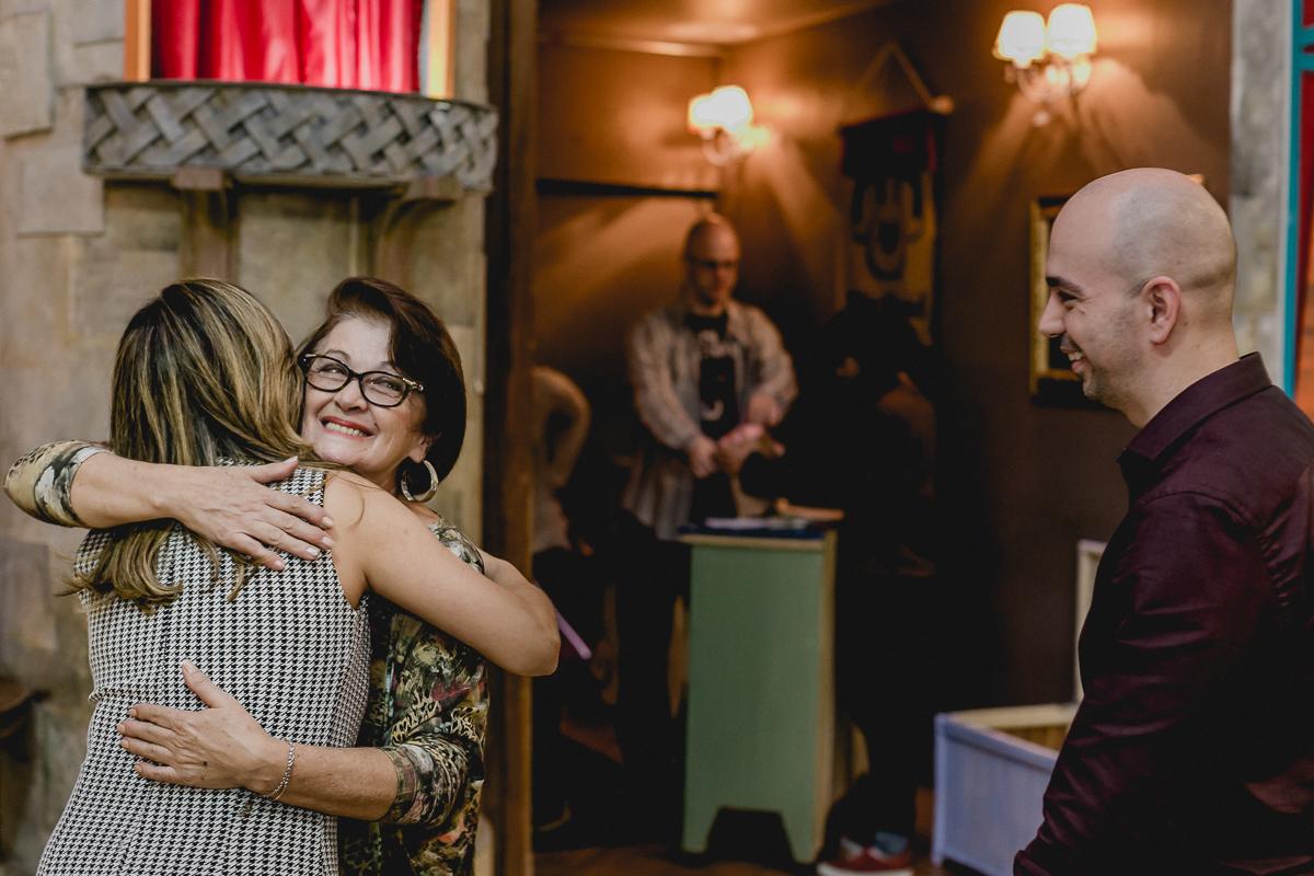 Abraço e carinho no Buffet Miniland - Tatuapé - SP