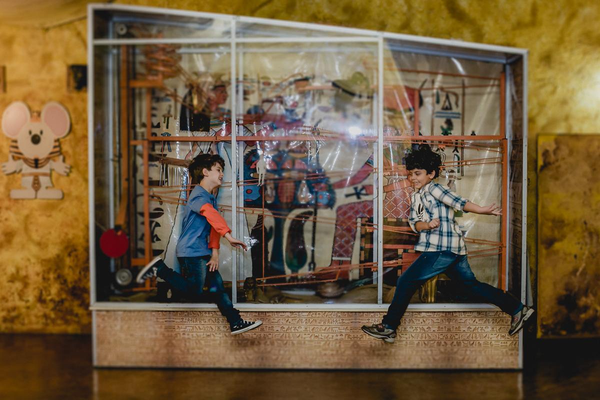 Crianças pulando no Buffet Miniland - Tatuapé - SP