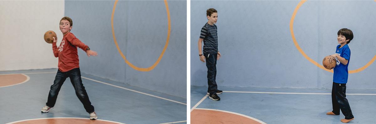 jogando handball com os amigos