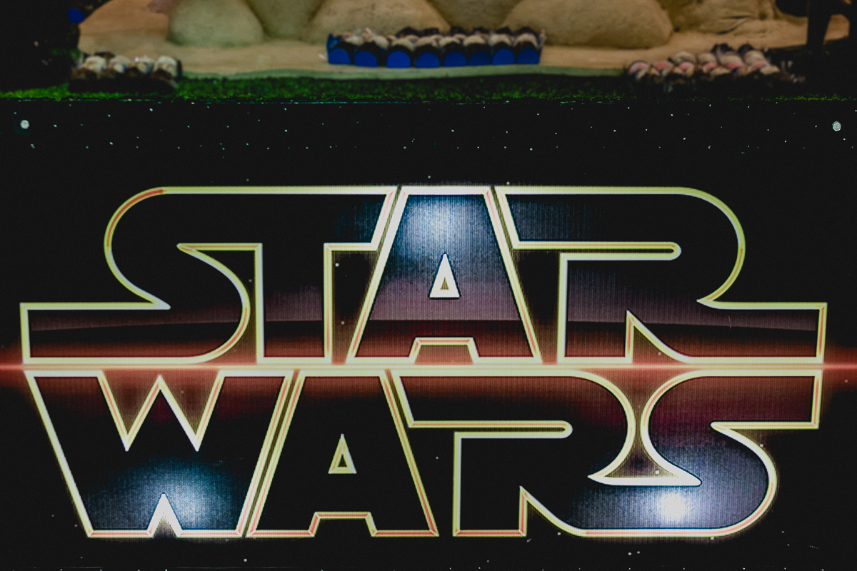 banner da mesa do bolo com o tema star wars