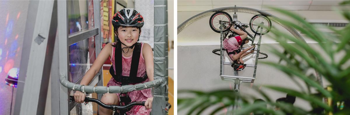 convidada brincando na bicicleta