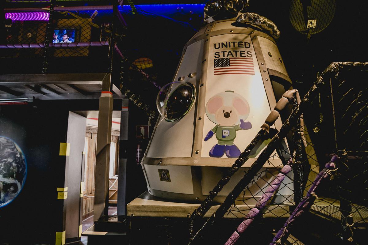 interior do buffet miniland aeronave espacial