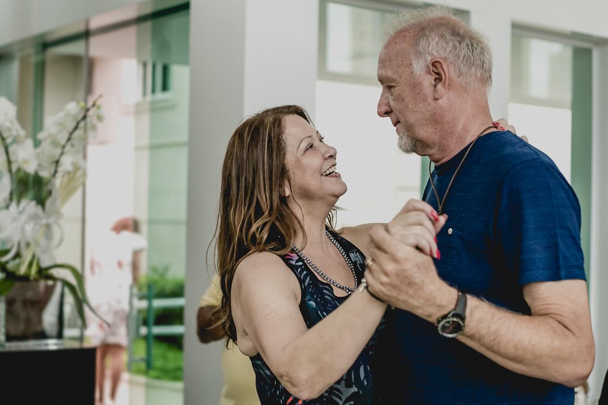 dançando com o marido