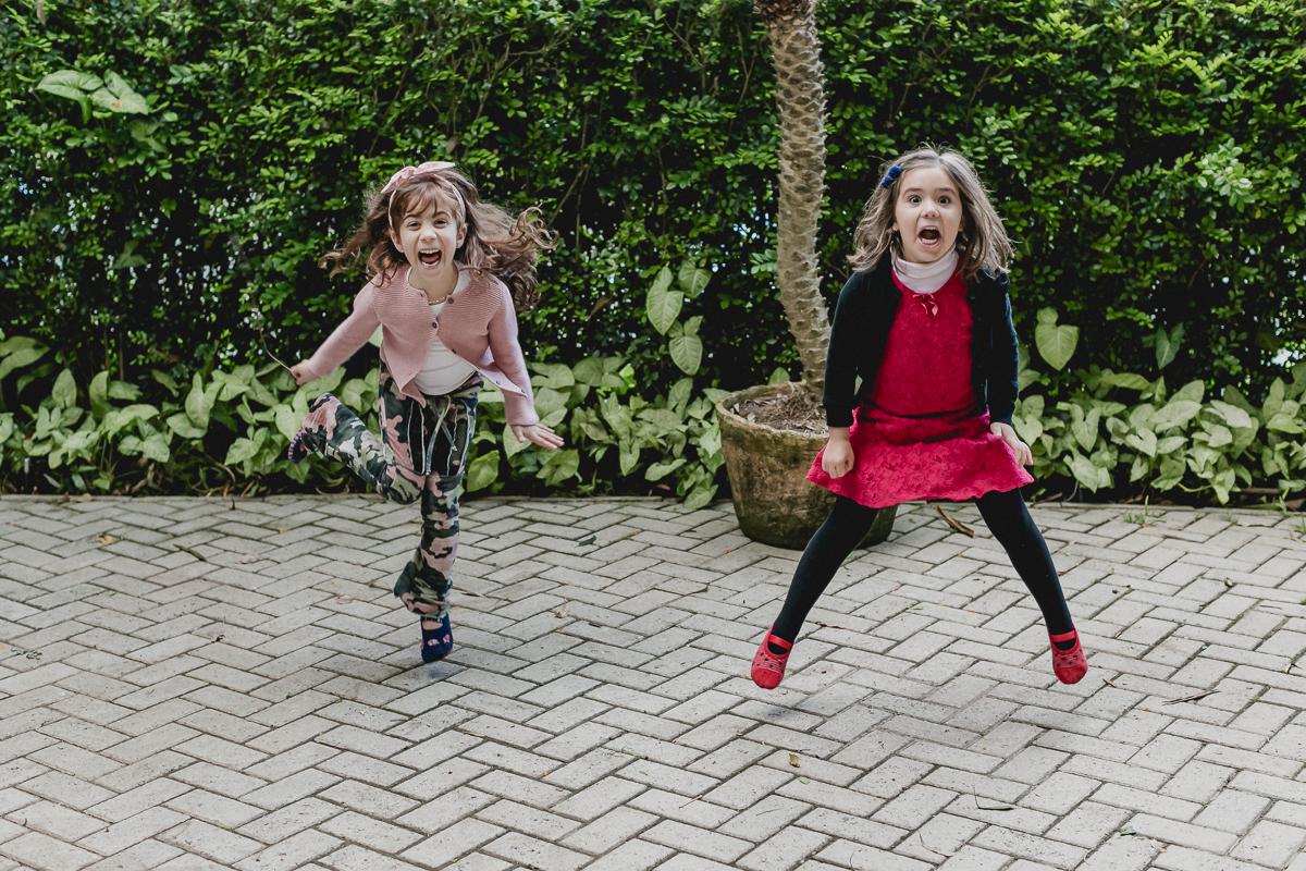 meninas pulando
