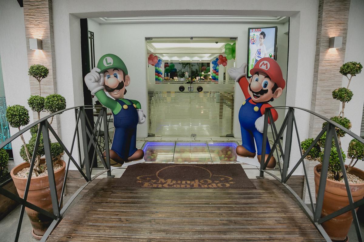 Entrada do Buffet Mundo Encantado com o Tema Mario Bros