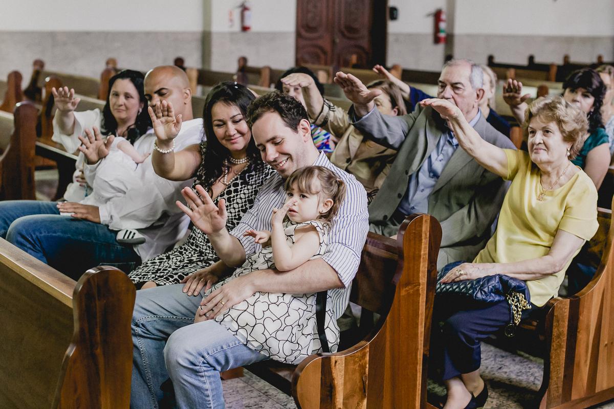 Abençoando a agua do batismo