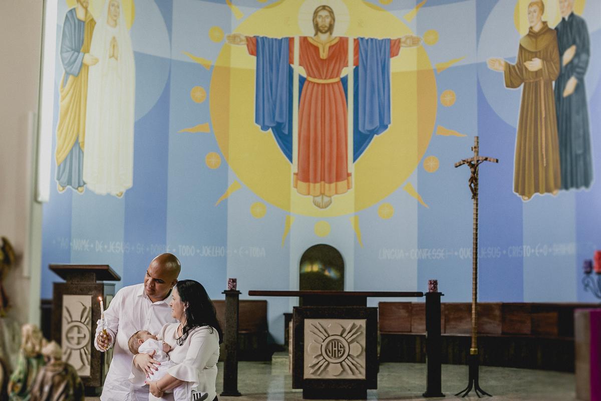 Theo e padrinhos no altar