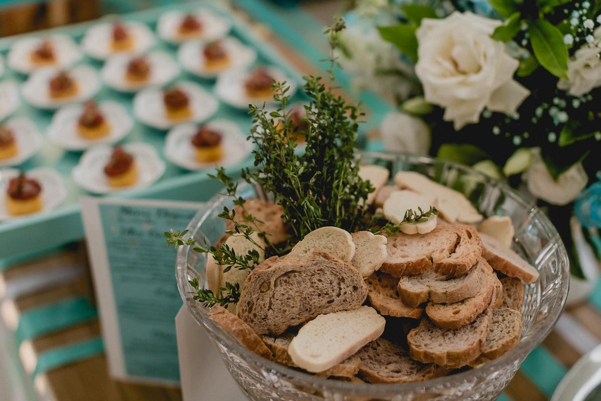 Detalhes da mesa com comidas