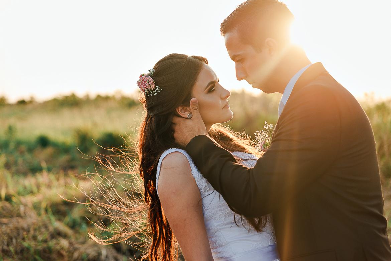 Imagem capa - Sai muito caro contratar um fotógrafo profissional de casamento? Será? por Tauane Schmitt