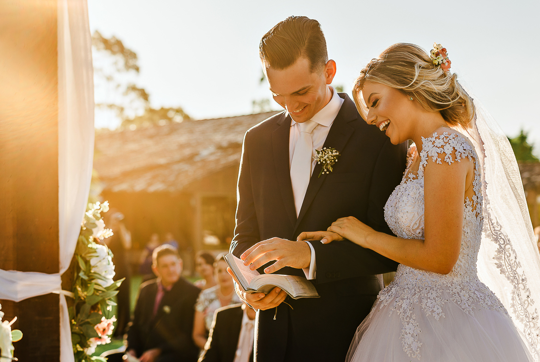 Imagem capa - O que deve estar pronto um ano antes do casamento? por Tauane Schmitt