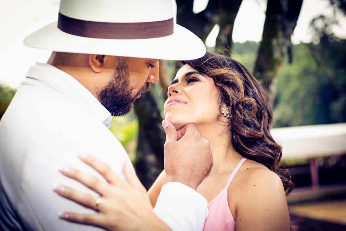 Imagem capa - O que é um Mini Casamento Intimista? 5 Passos pra você se planejar! por Alex Foto & Design