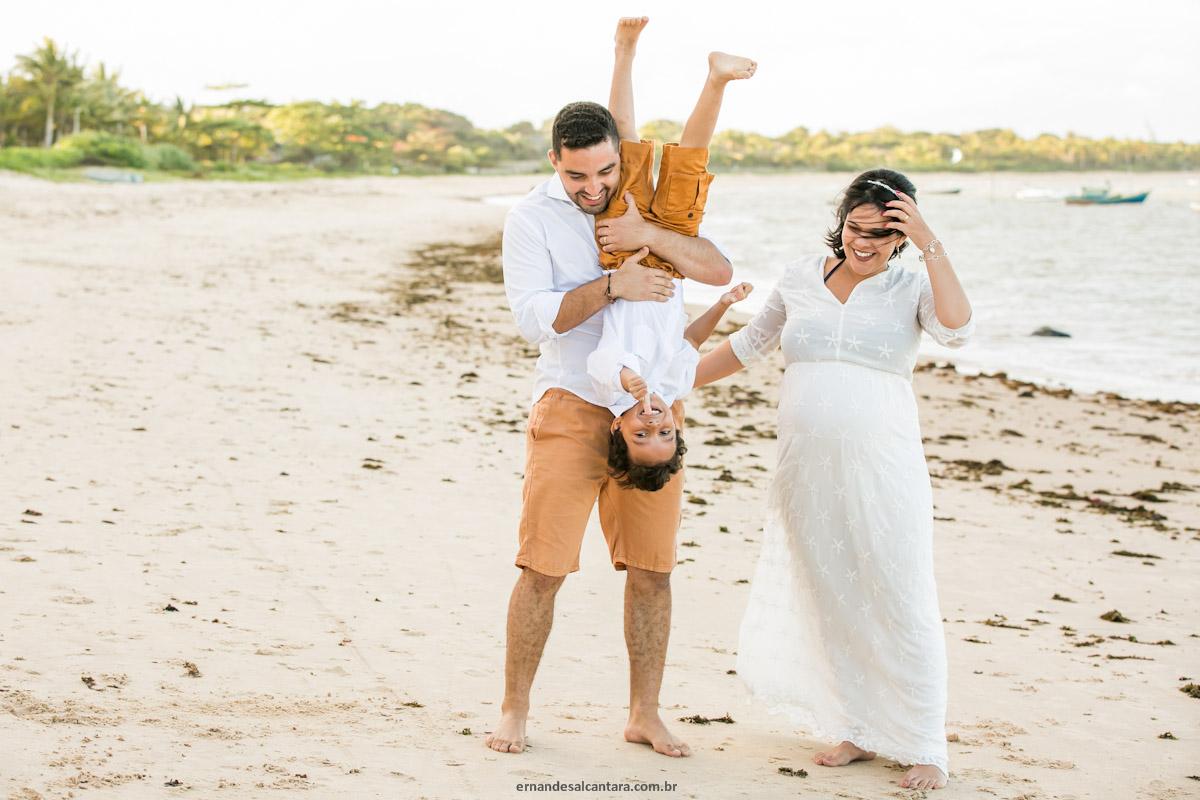 Ensaio-gestante-Clarissa-e-Andrey-na-praia-clicados-por Ernandes-Alcântara-Arraial-D'ajuda
