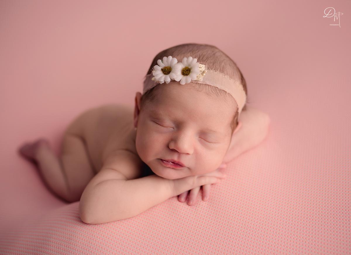 Imagem capa - As dúvidas mais frequentes sobre ensaio Newborn por Débora Machado Fotografia