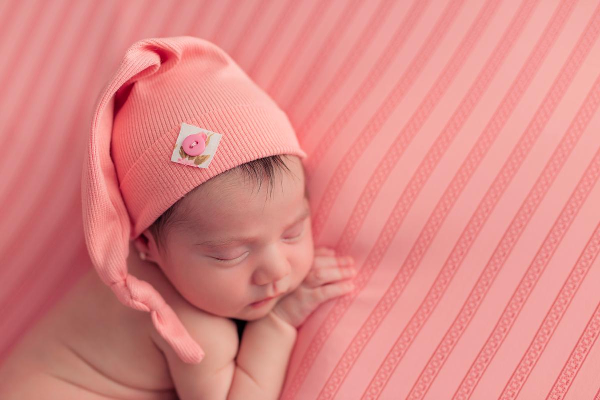 Imagem capa - O que é a fotografia newborn? por Débora Machado Fotografia