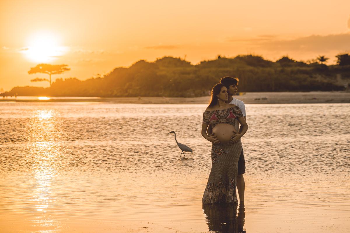 Ensaio fotográfico de gestante, ensaio de gravida, ensaio gestante externo, ensaio gestante em Niterói, ensaio gestante no Rio de Janeiro, nossa casa petit, ensaio fotográfico, sessão fotográfica, ensaio gestante em Itaipu, ensaio gestante na praia