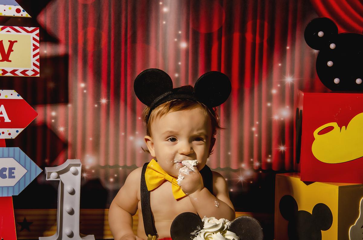 Ensaio smash the cake, ensaio bebê, fotógrafa em Niterói, smash the cake Niterói, smash the cake Rio de Janeiro, smash the cake São Goncalo, smash the cake temático, nossa casa petit, ensaio fotográfico, sessão fotográfica, circo do mickey, splash