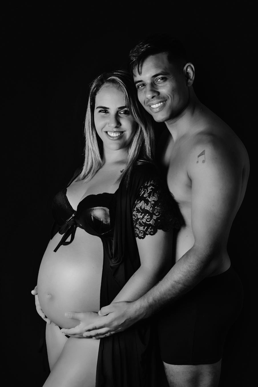Ensaio fotográfico de gestante, ensaio de gravida, ensaio gestante estudio, ensaio gestante em Niterói, ensaio gestante no Rio de Janeiro, nossa casa petit, ensaio fotográfico, sessão fotográfica, book gestante estúdio, ensaio gestante sensual, lingerie