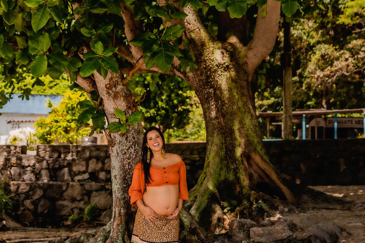 Ensaio fotográfico de gestante, ensaio de gravida, ensaio gestante externo, ensaio gestante em Niterói, ensaio gestante no Rio de Janeiro, nossa casa petit, ensaio fotográfico, sessão fotográfica, ensaio gestante na praia, praia de adao e eva, por do sol