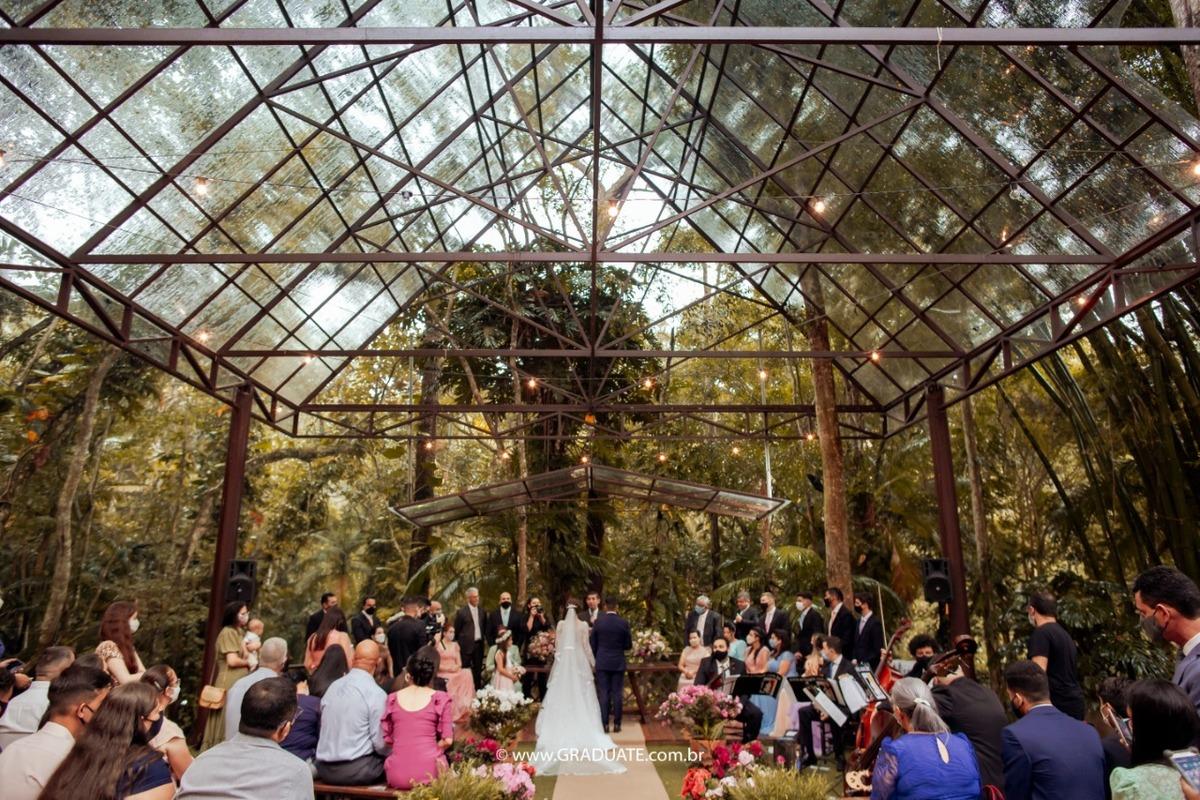 Imagem capa - Aprenda escolher a empresa de fotografia e vídeo do seu casamento em 5 passos! por Graduate Eventos