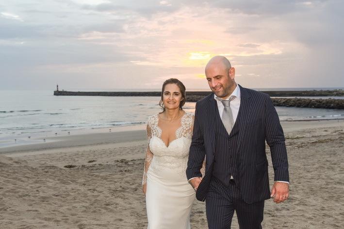 Imagem capa - Carla&Pedro - Wedding - Praia da Azurara por domingos