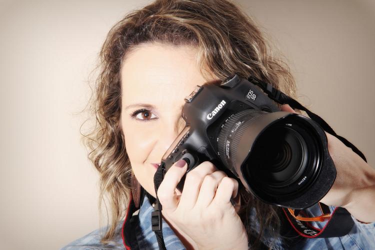 Sobre Fotos de gestantes, mulheres, 15 anos, crianças e famílias em BH