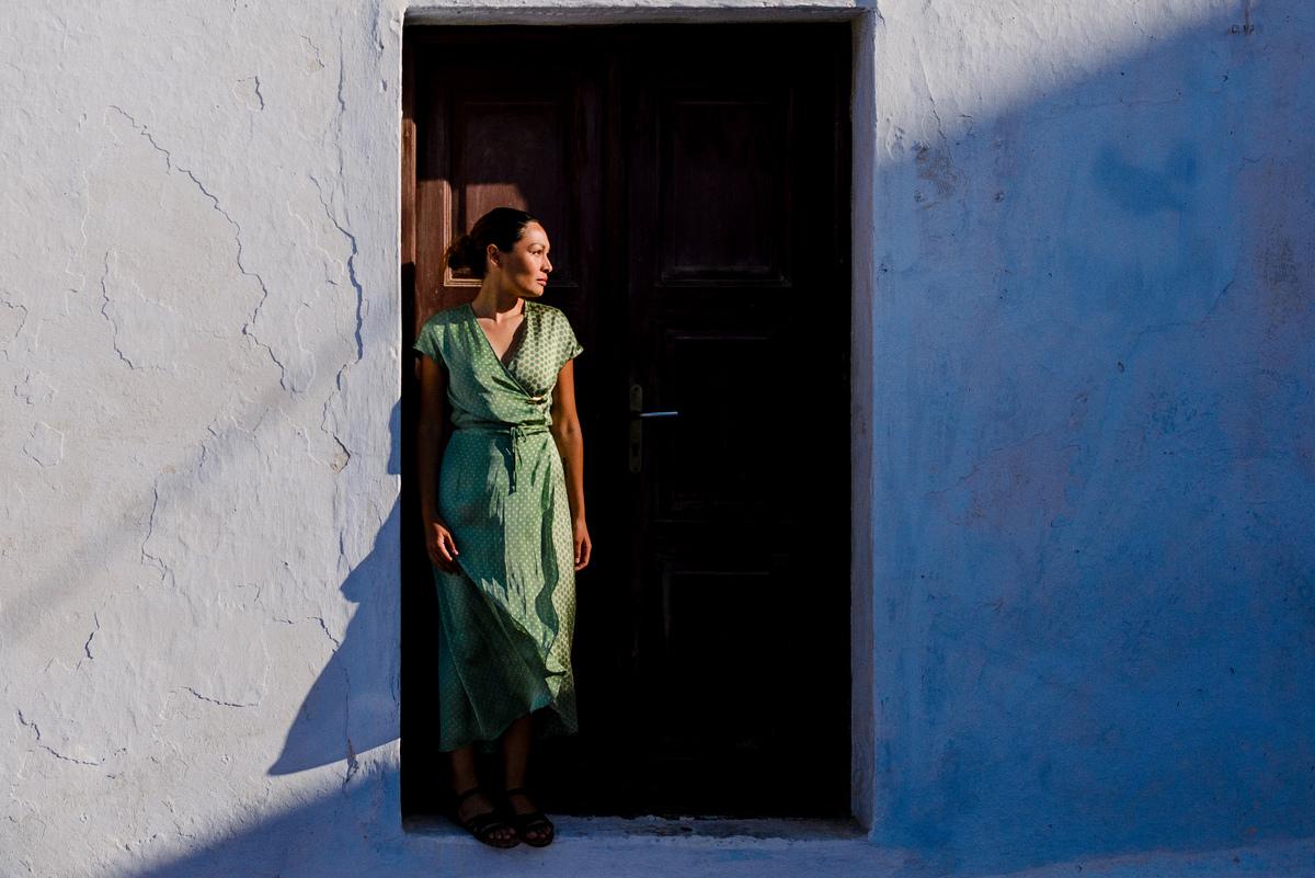 Imagem capa - New Editor's Choice - Portrait in Santorini por Joanna Pantigoso