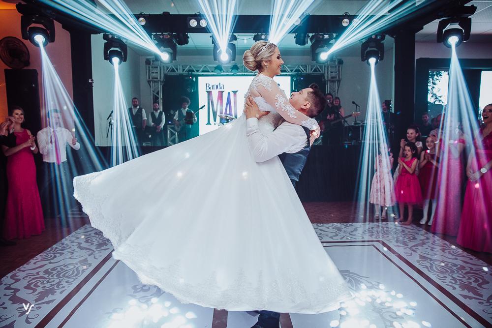 Imagem capa - Coreografia de casamento por Volnei de Souza