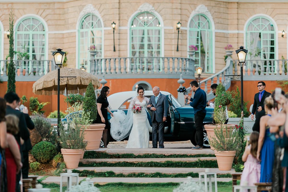 Imagem capa - Entrada da Noiva por Dennis Araya Chavarria