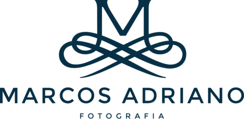 Logotipo de Marcos Adriano