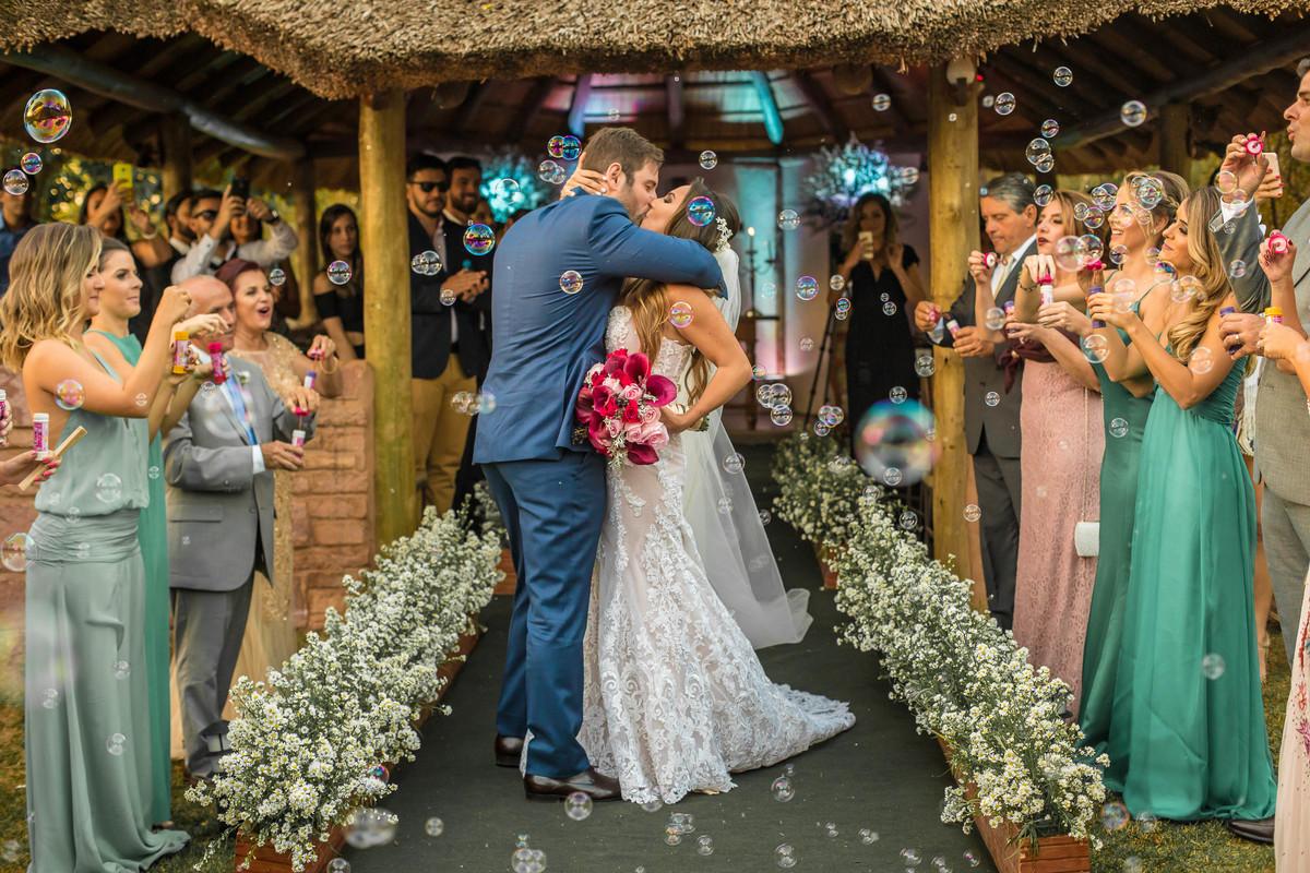 Imagem capa - Projeto Realizando Sonhos – Que tal ganhar um casamento? por VICENTE BARROS
