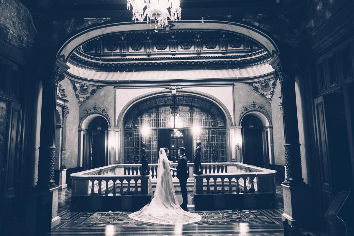 Imagem capa - Vestido de noiva: alugar, comprar ou mandar fazer? por Renan Baschirotto Vieira
