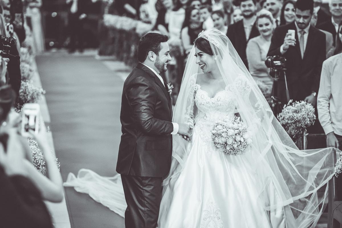 Imagem capa - Fotografia de casamento: tornando sua cerimônia inesquecível por Renan Baschirotto Vieira