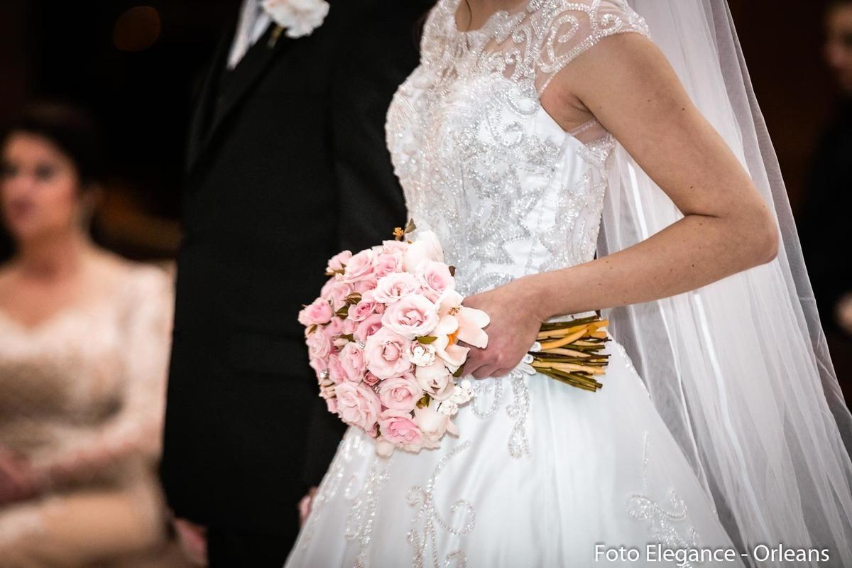 Imagem capa - Como escolher o buquê de noiva para o meu casamento por Renan Baschirotto Vieira