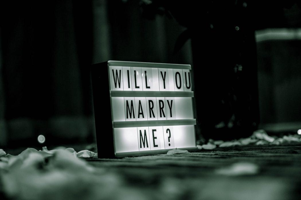Imagem capa - Fui pedida em casamento e agora? 5 passos para te ajudar nessa nova fase por Z2 Produções