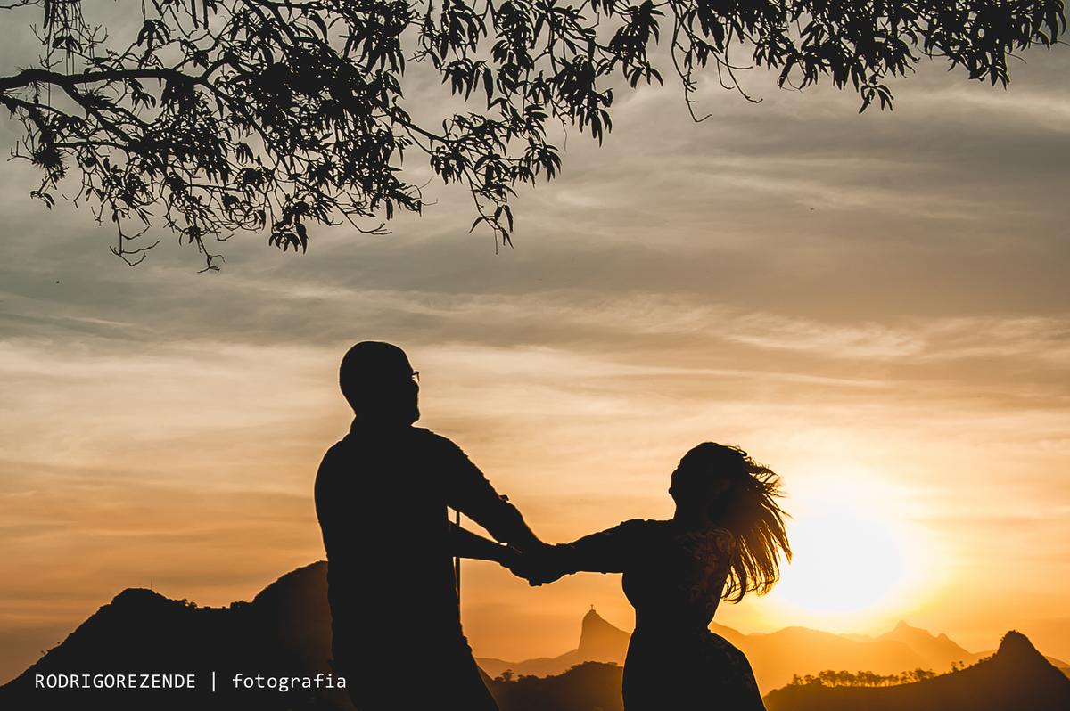 Imagem capa -  7 lugares incríveis e gratuitos para realizar o Pré-Wedding no Rio de Janeiro por rodrigo cunha de rezende