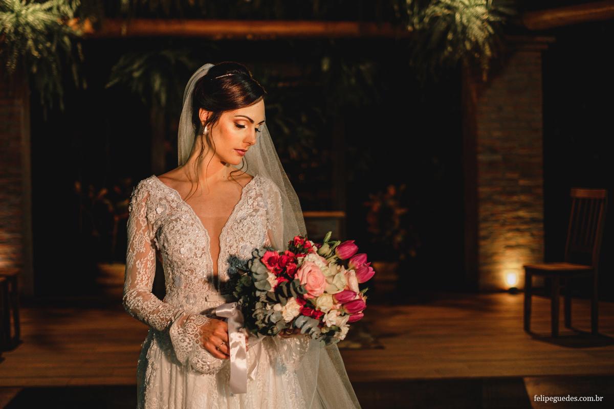 Imagem capa - Buquê da Noiva, dicas para escolher o seu! por Felipe Guedes