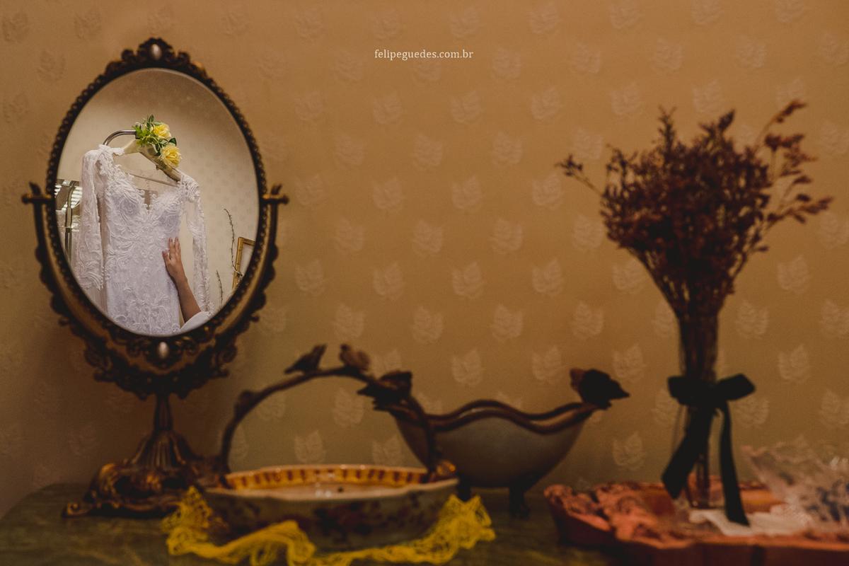 Imagem capa - O MEU VESTIDO DE NOIVA | CASAMENTO  NA IGREJA | Por Letícia Resende por Felipe Guedes