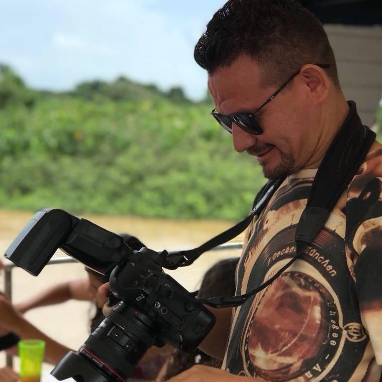 Sobre DANIEL-FOTOGRAFIA|ARAIOSES|CASAMENTO|ANIVERSARIO|FORMATURA|ENSAIO.