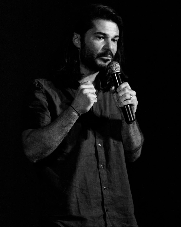 Allan Dias Castro em apresentação da REVERB no Sesc Concórdia.  #reverb #musica #show #sescsc #poesia