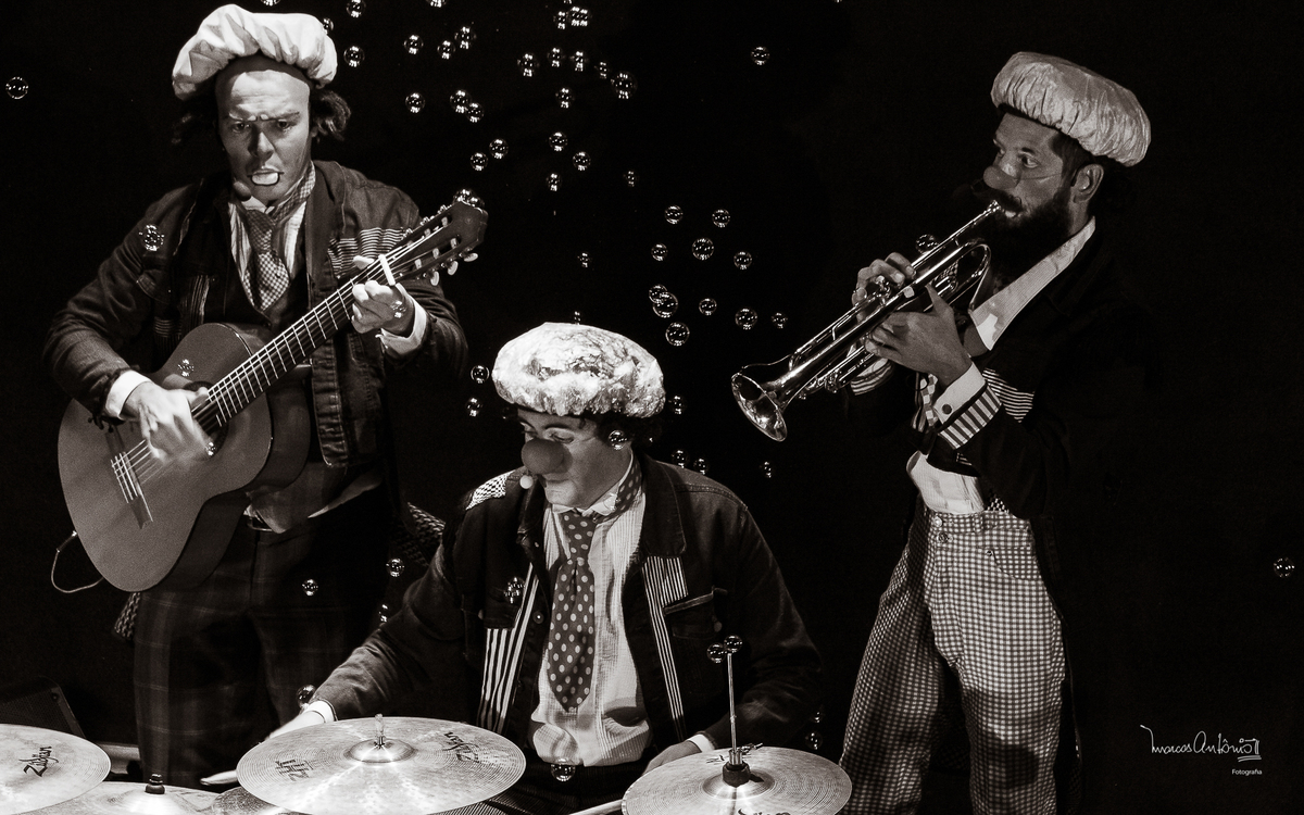 Quem resiste a bolas de sabão e música?  #orquestramodesta #teatro #musica #sesc