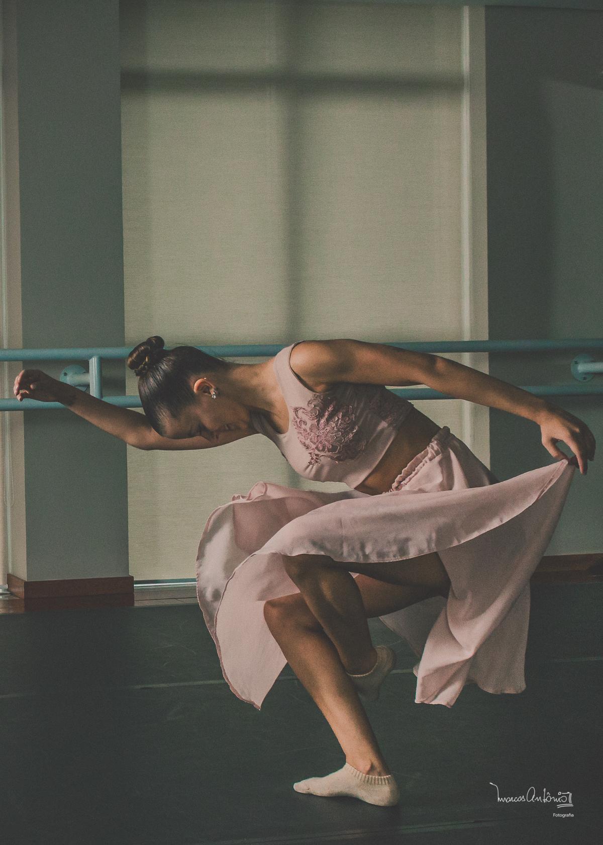 O movimento da bailarina, Brenda Lima.  #bailarina #ballet #danca #