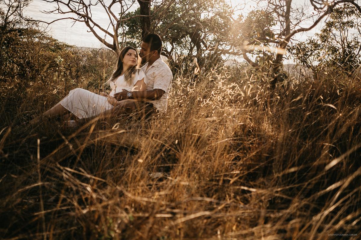 ensaio no campo fotografia de casamento por caio henrique casamentos em palmas tocantins no ar livre