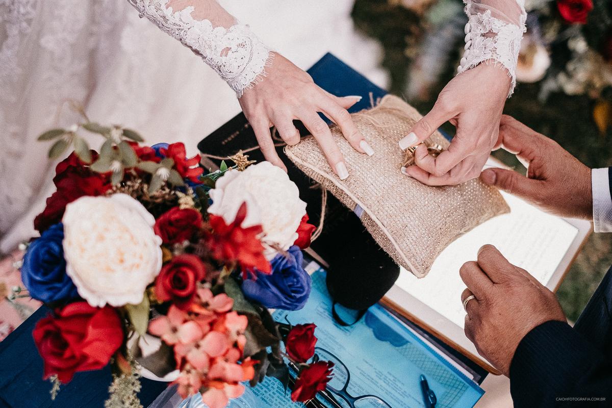 alianca de casamento alianca dos noivos fotografia de casamento de dia no campo fotografo sao paulo zona leste