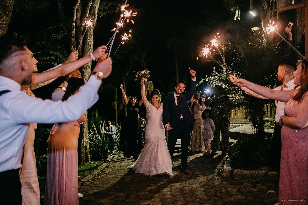 comprimentos padrinhos dos noivos irmao de noiva fotos documentais fim de cerimonia saida do casal ideias de casamento