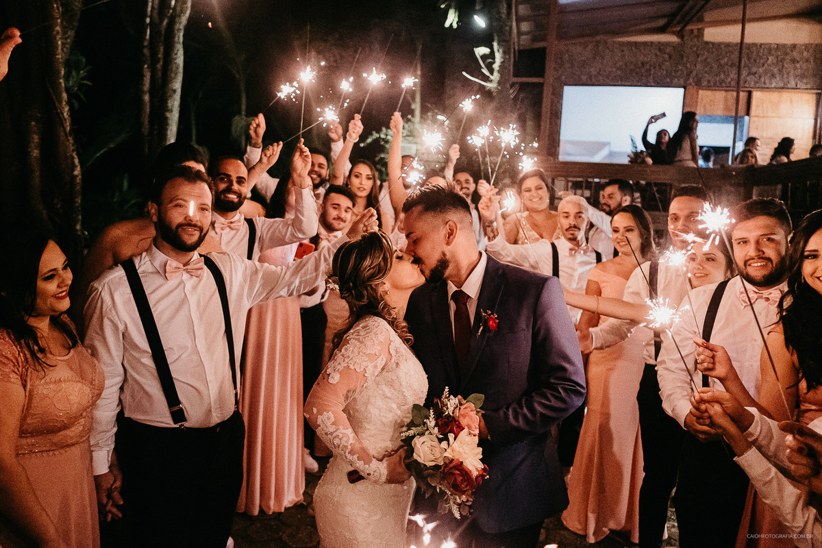 comprimentos padrinhos dos noivos irmao de noiva fotos documentais fim de cerimonia saida do casal ideias de casamento ideias de fotos tumblr de casamento