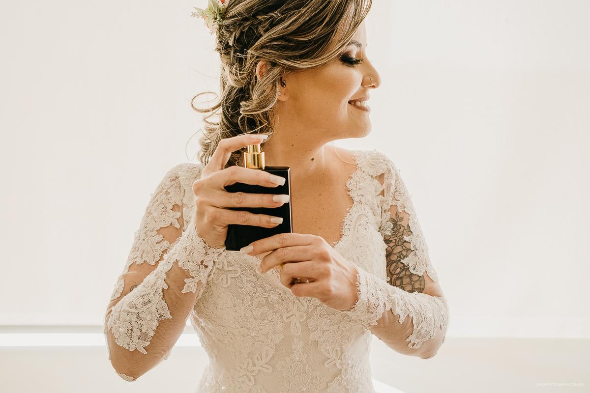 retratos de noivas fotografia de casamento fotografos de casamento em sao paulo zona leste noiva sorrindo maquiagem de noiva  ideias de fotos de noiva