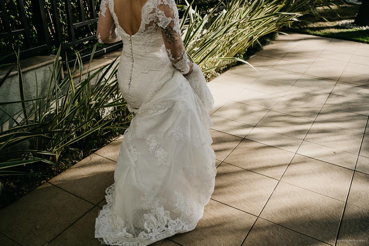 retratos de noivas fotografia de casamento fotografos de casamento em sao paulo zona leste noiva sorrindo maquiagem de noiva
