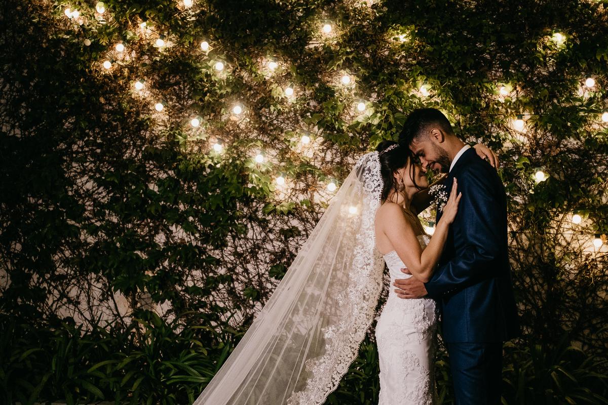 hora das aliancas casamento de dia fotografos de sao paulo mairipora fotografia artesanal oracao com os pais beijo do casal  pos cerimonia por caio henrique