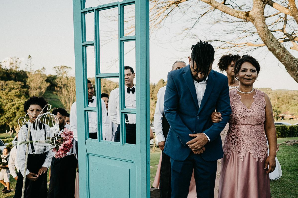 fotografia de casamento casar no campo casamentos de dia noivo afro fotografos de sao paulo fotos por caio henrique casamento de dia  entrada do noivo