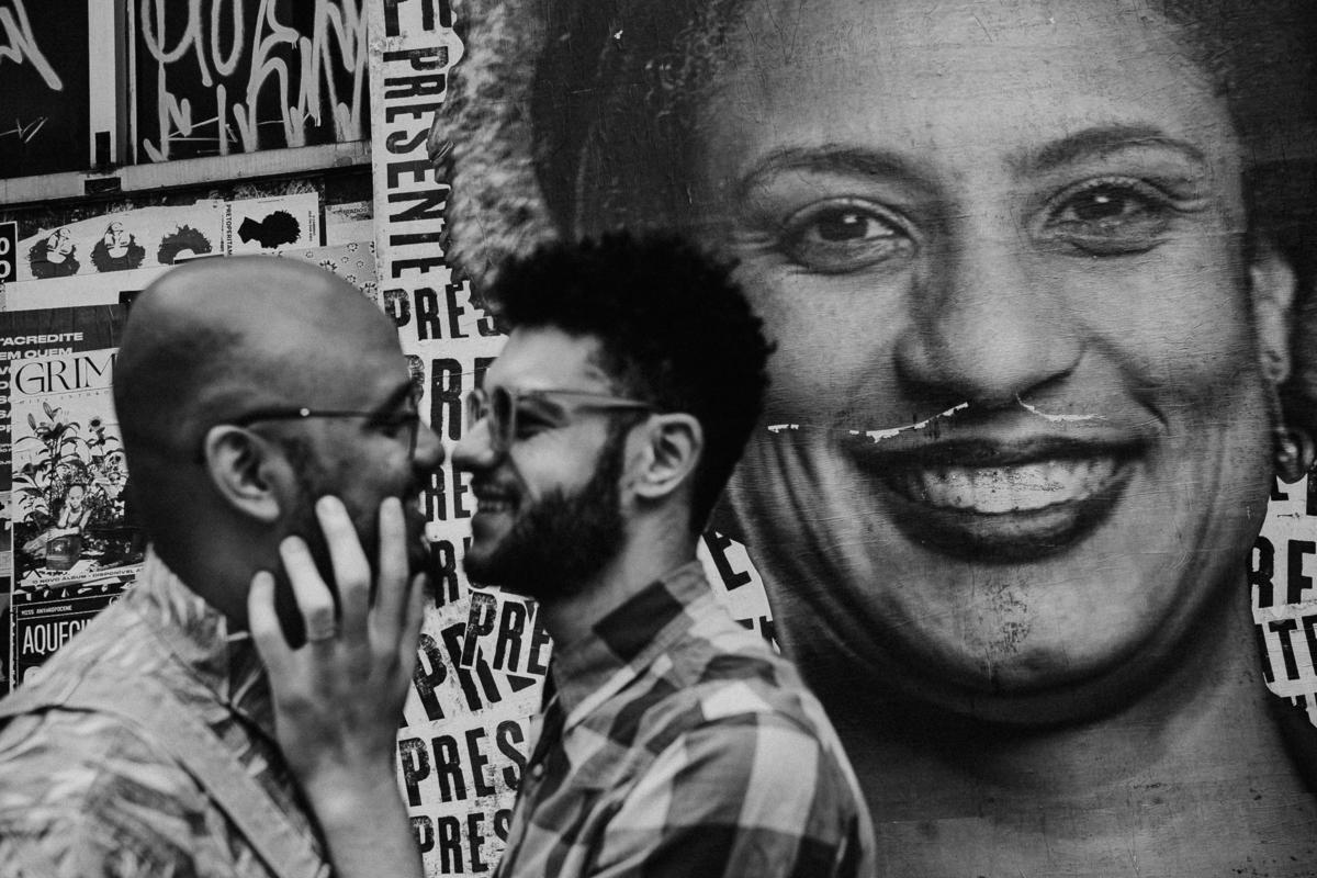 ensaio no centro da cidade fotografos de casamentos fotografia homo afetiva fotos por caio henrique centro de sao paulo